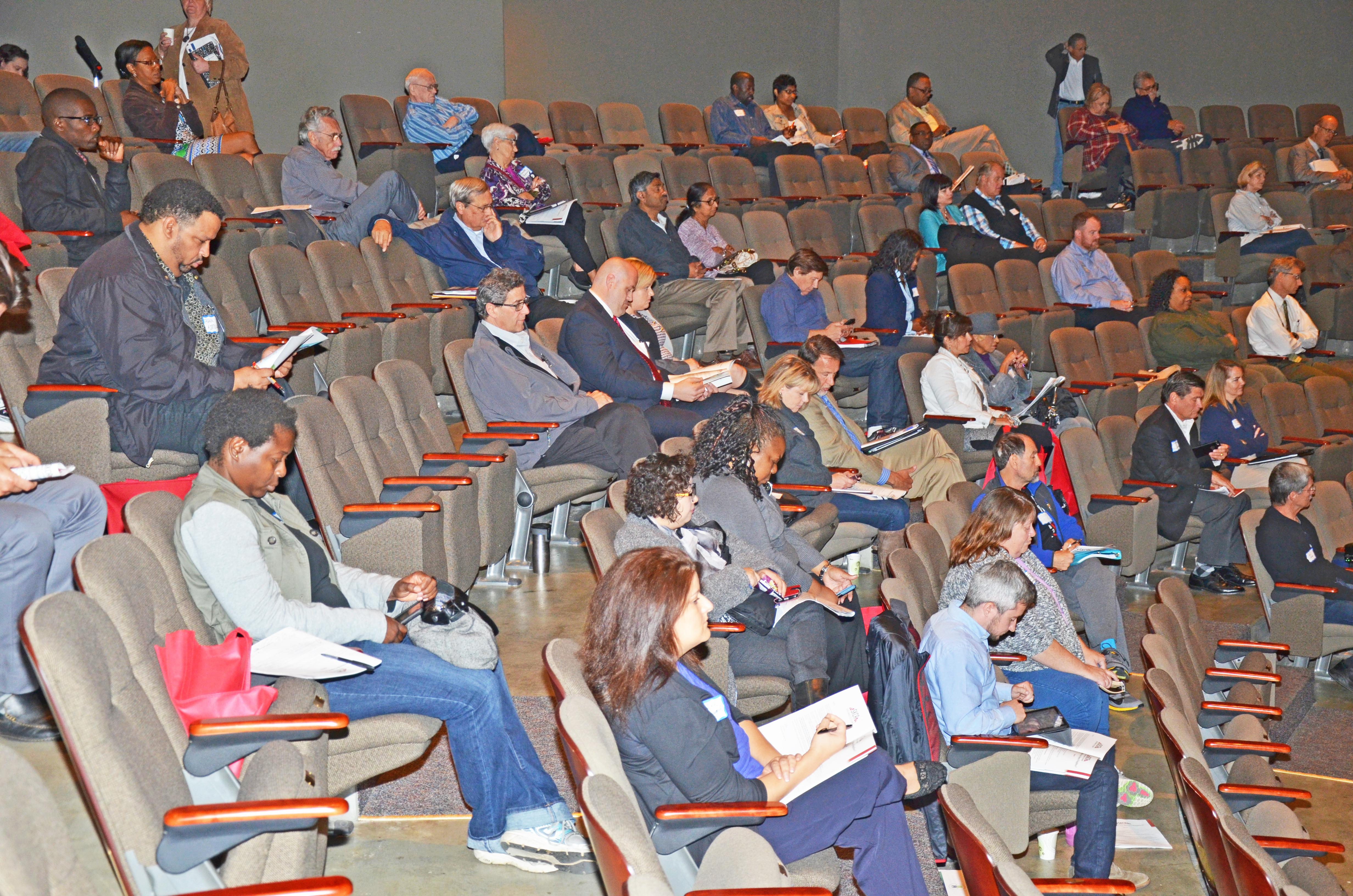 skca-eds-panel-crowd